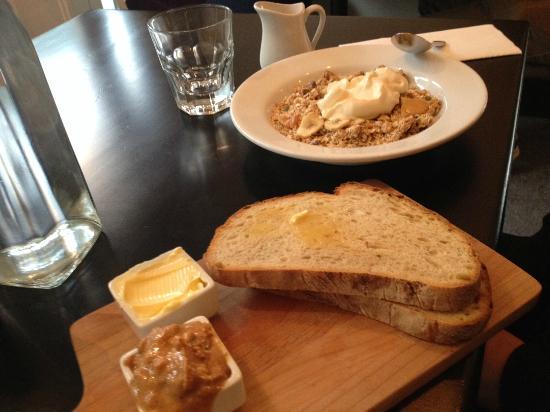 Charmant Hillside Kitchen And Cellar: Breakfast At Hillside
