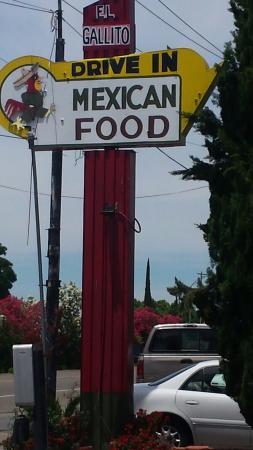 El Gallito Drive Inn