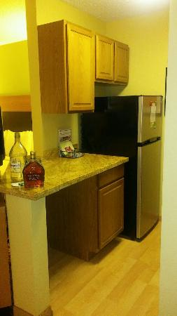 TownePlace Suites Houston I-10 West/Energy Corridor: Spacious -- modern kitchen