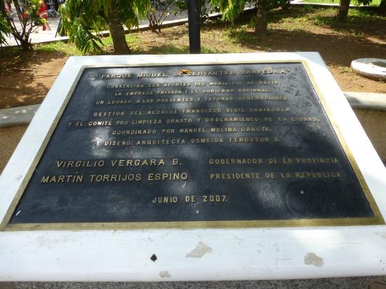 Parque Cervantes: a plaque in the park