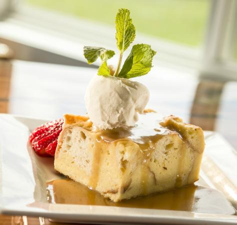 The Kitchen at Pleasant View Inn: Delicious desserts!