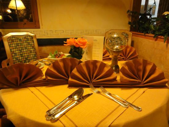 Steinbach Hotel: Dinner table