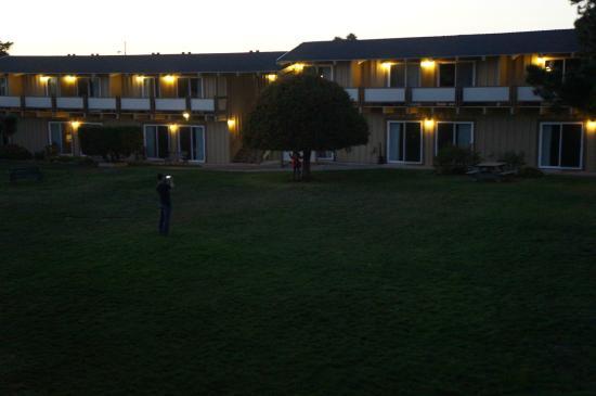 Silver Surf Motel: Vista externa dos apartamentos