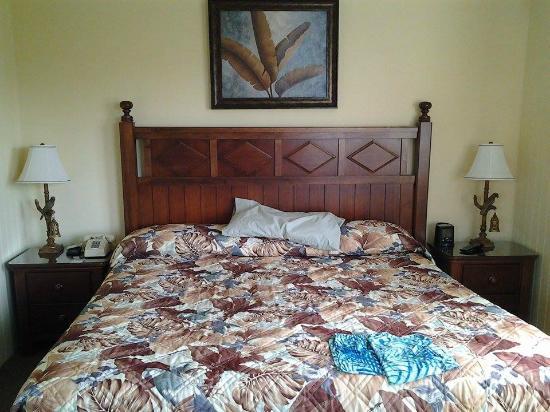 Peppertree Resort: Master bedroom