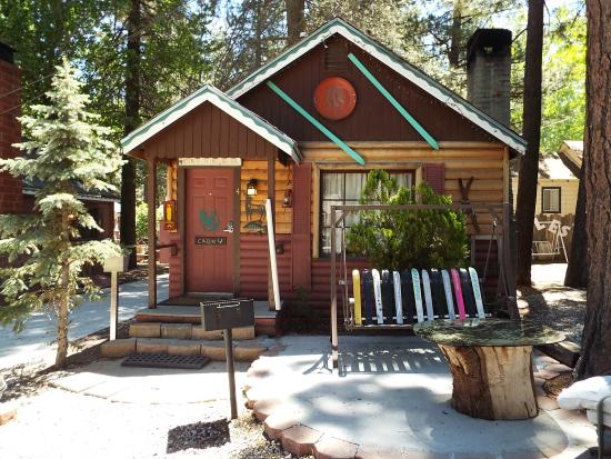 front of cabin picture of cabins4less big bear lake tripadvisor rh tripadvisor com