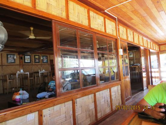 Barefoot Bar & Brasserie: Interior of restaurant