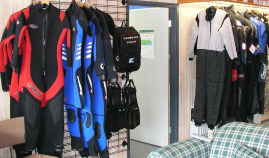 Rye, Australia: Wetsuits for hire and sale