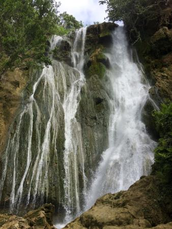 Mele Cascades : June 2015 top waterfall. Worth the effort.