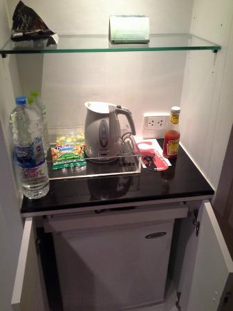 Triple Two Silom: mini bar