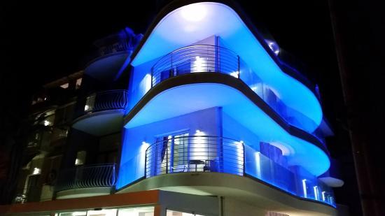 Hotel L Rodo Esterno Notte