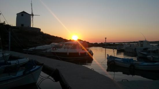 Meltemi Cafe: Sun set