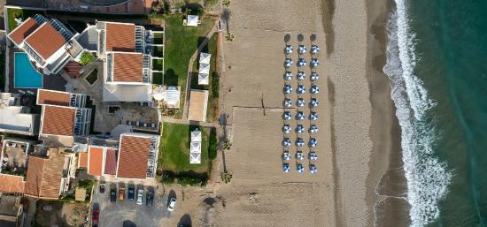 Iperion Beach Hotel: View of the hotel from the sky