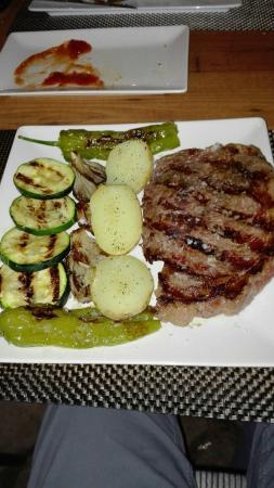 Alfacar, Spanje: Comida muy buena y abundante y de precio genial. Personal muy atento y amable.Repetiremos sin du