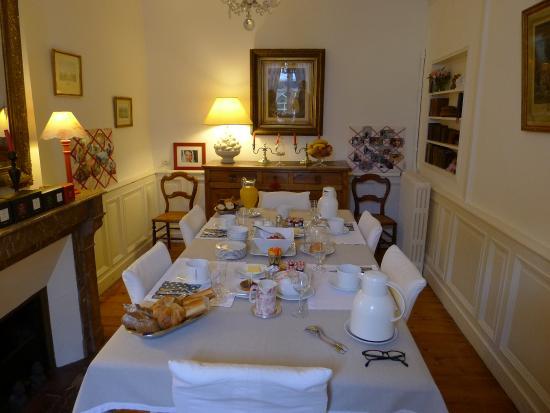 Clos de Bellefontaine: Frühstückszimmer