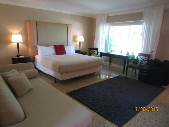 Fantastic spacious and well furnitured/equipped room