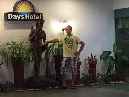 Days Hotel Tagaytay: photo0.jpg