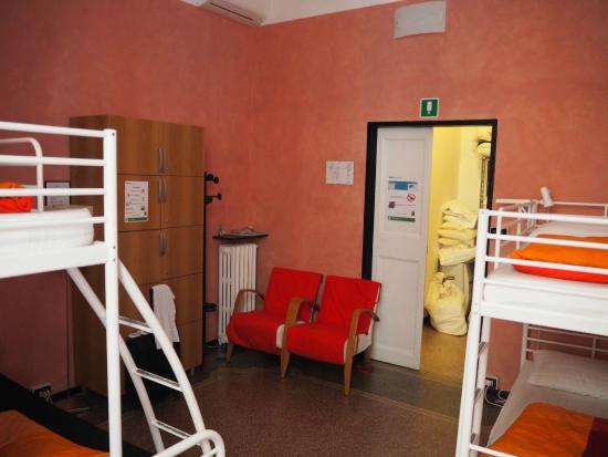 Manena Hostel: My dorm room