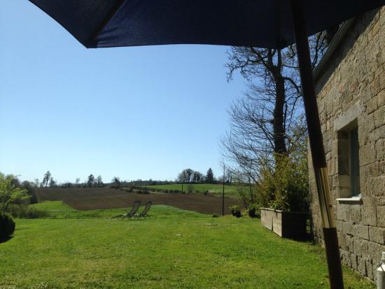 Gites Guebernez: View from l'écurie