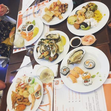 . Есть завтрак обед и ужин. Сладкие ...: https://www.tripadvisor.es/LocationPhotoDirectLink-g494960-d3326653...