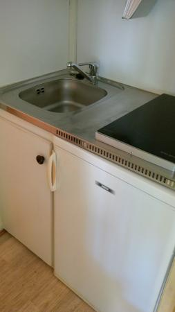 Motel Les Pins : coin cuisine