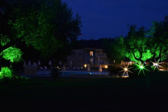 Alkion Hotel: Вечерний вид