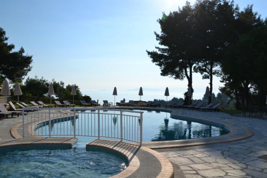 Alkion Hotel: Вид на залив