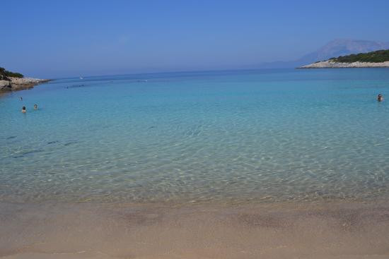 El Coral Hotel : Una spiaggia di Samos