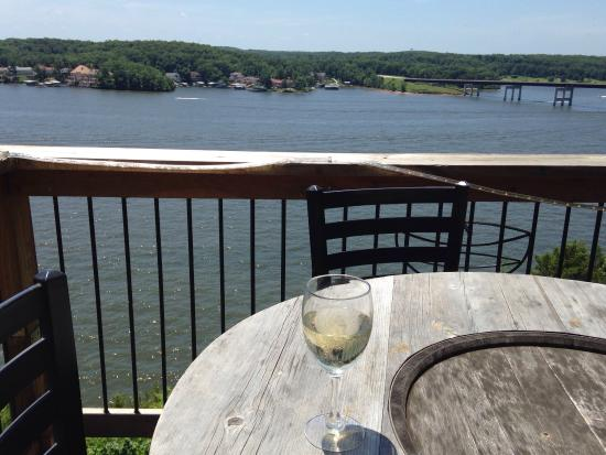 Shawnee Bluff Winery: Enjoying the view and some Pinot Grigio from the deck.