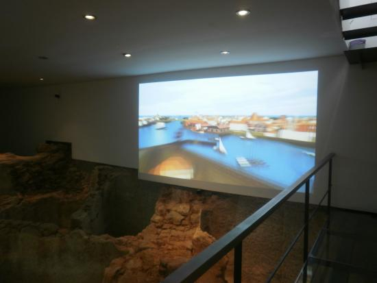 Yacimiento Arqueológico Antigua Fábrica de Salazones Romana
