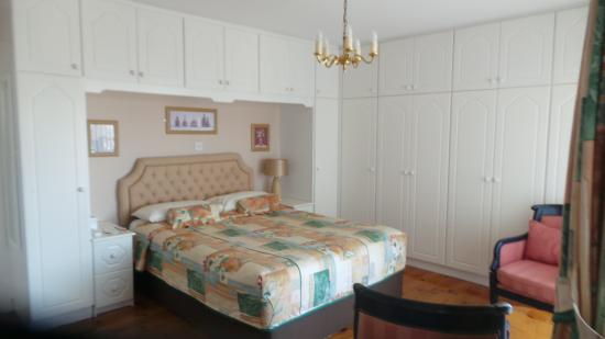 Chelmsford House Lakes of Killarney : vaste et très chic chambre