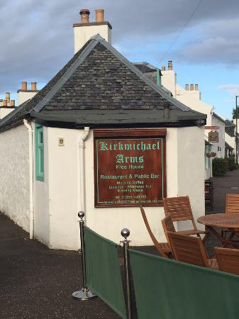 Kirkmichael Arms: View of exterior as you approach