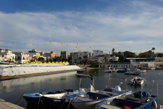 Zia Teresa: Zicht op de haven van Torre a Mare