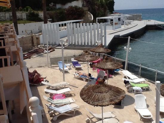 Marti Beach Hotel: Dreadful