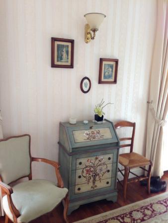 Le Saule Fleuri : La décoration de la chambre