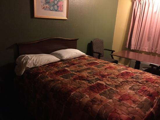 Rodeway Inn & Suites: photo3.jpg
