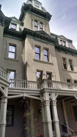 Hegeler Carus Mansion: Magnificent woodwork