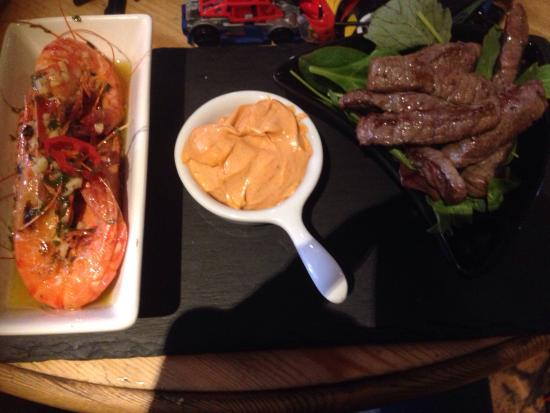 Vats Bar: Quality Surf and Turf ! Cooked to perfection