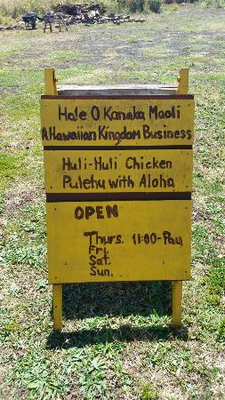 Anahola Hawaiian Land Farmer's Market: Huli Huli chicken at the Anahola Farmers Market
