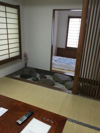 Camera stile tradizionale giapponese   picture of shin okubo ...