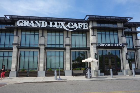 Grand Lux Cafe Ca