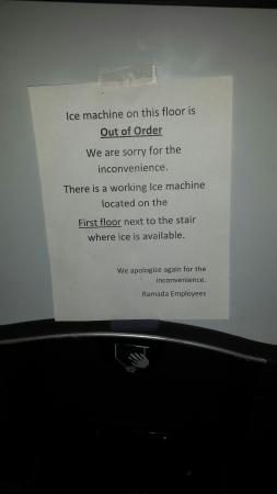 Hewitt, TX: 3rd floor ice machine. All guests from all 3 floors have to walk down to lobby ice machine. Easi