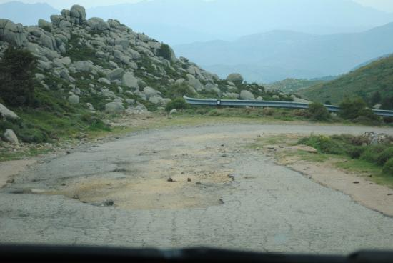 Quenza, Francia: Plateau de Coscione - Route d'accès