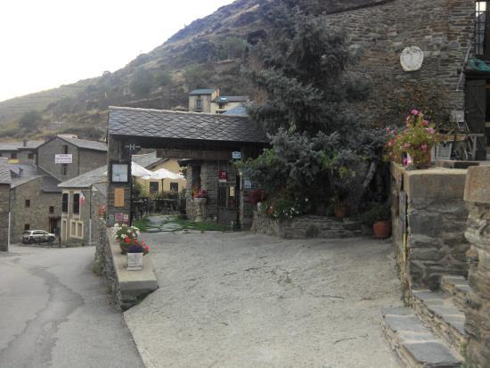 Valcebollere, Francia: Entrée de l'auberge