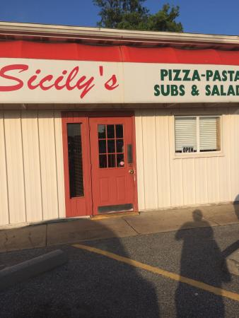 Sicily's : Best pizza ever