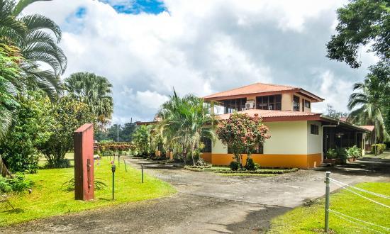 Hotel Jardines Arenal: entrada principal
