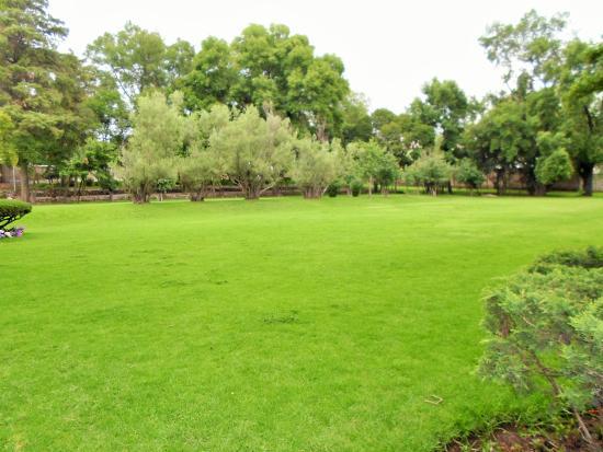 Foto de museo nacional del virreinato tepotzotl n la for Jardines grandes