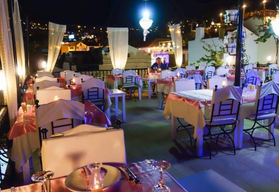 Fez Restaurant: Roof terrace dining at Fez, Kalkan