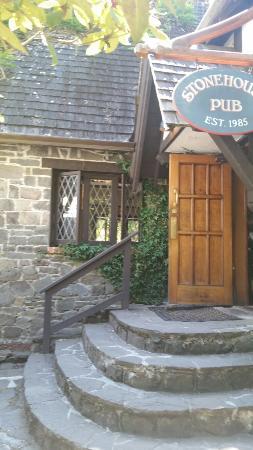 The Stonehouse Restaurant & Pub: The Stonehouse Pub