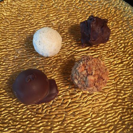 Calvert, TX: CocoaModa