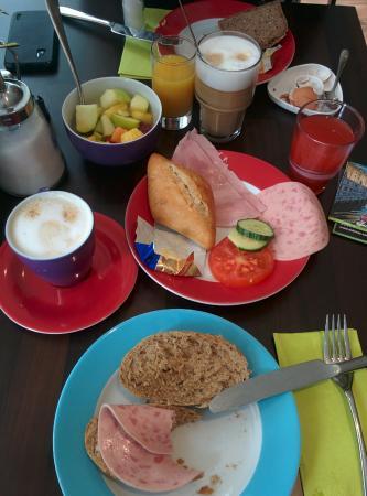 ibis Styles Hamburg Alster City: Frühstück mit sehr viel Auswahl